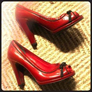 Betty Boop kicks!